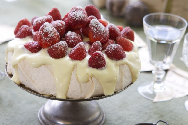 Adam Liaw's surefire pavlova with strawberries and white chocolate cream <a ...