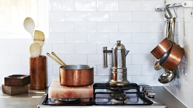 Thin out pots and pans according to the way you cook, with no duplicates in size.