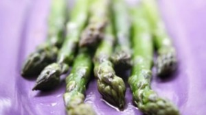 Asparagus with walnut oil
