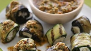 Grilled summer vegetable packets