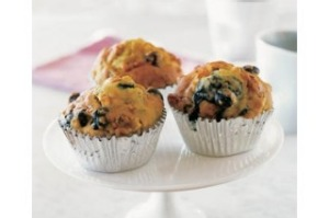 Healthy apple and berry muffins