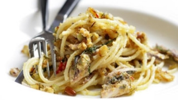 Bucatini with sardines and fennel