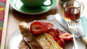 Cinnamon french toast with strawberries