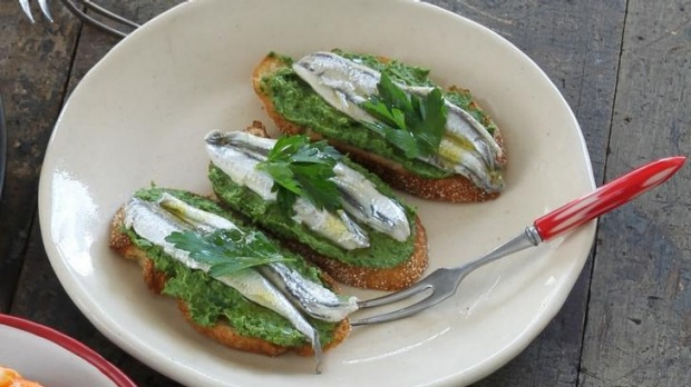 White anchovies and parsley mousse