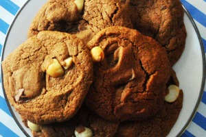 One bowl cafe style chunky cookies