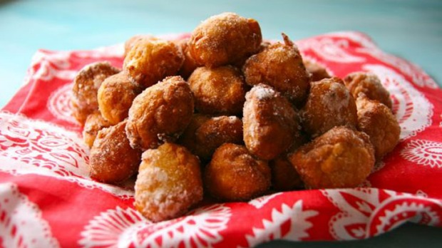 Apple doughnut holes