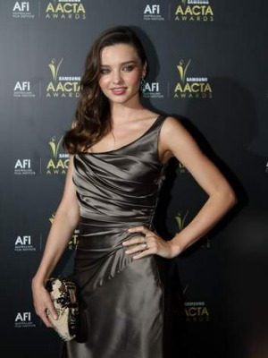 Miranda Kerr's personal chef uses coconut oil in cooking.