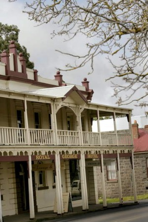 The Royal George Hotel on Piper Street, Kyneton, won't be sold.