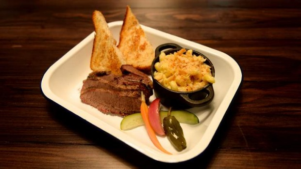 The brisket meat tray with mac and cheese.