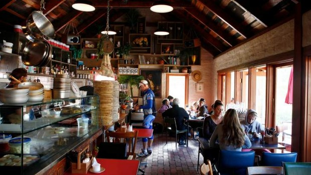 A Boy Named Sue is a delightful mudbrick cafe and pizzeria.