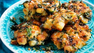 SPINACH-AND-FETA-CAKES-THUM