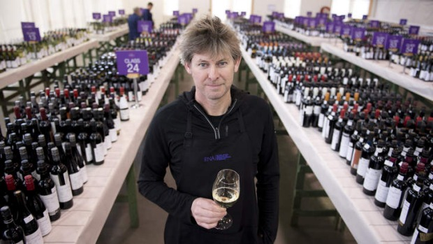 Wine judge PJ Charteris believes consumers can, in general, judge a wine by its bling.