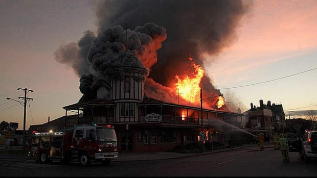 The historic Kerang Hotel has been destroyed by fire.