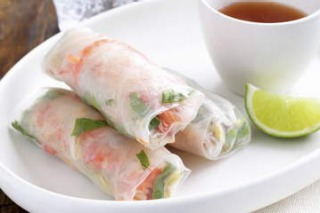 How to make rice paper rolls with Miss Chu