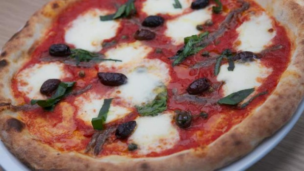 Capers jazz up the Napoletana pizza.