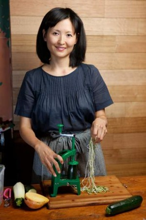 "Seon Joo Lee of Yong Green Food demonstrates how to make raw zucchini ""noodles"" with her Spiraliser."