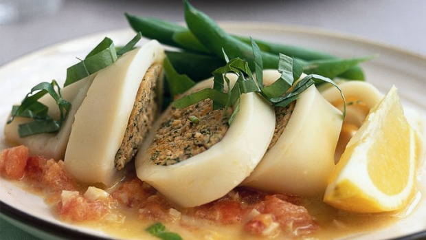 Stuffed squid with fish and spinach Recipe