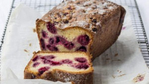 Raspberry and yogurt loaf.