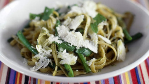 Pesto tagliatelle with green beans.