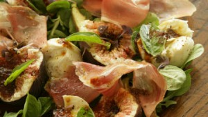 Figs, prosciutto, mozzarella and vino cotto.