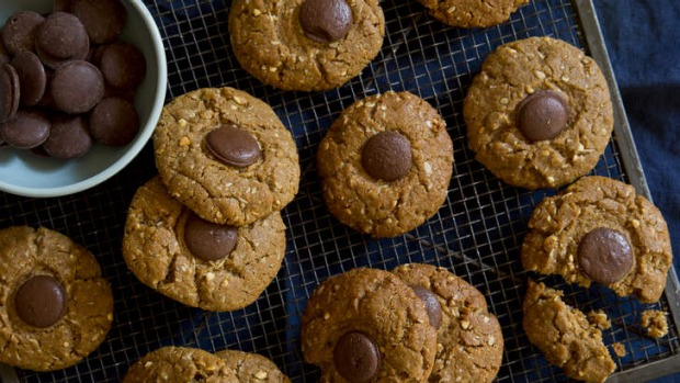 Nut lovers: Peanut butter and chocolate cookies.
