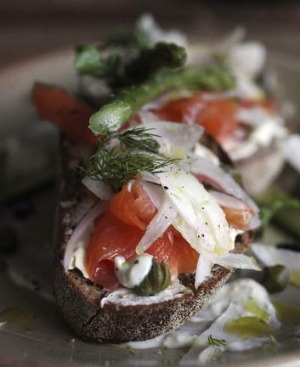 Smoked salmon with capers, asparagus, red onion, cream cheese and fennel.
