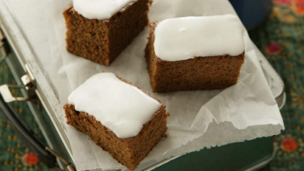Gingerbread slice.