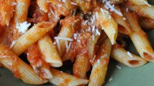 Penne with tomato sauce and tuna.