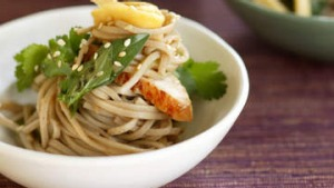 Soba noodle salad with chicken.