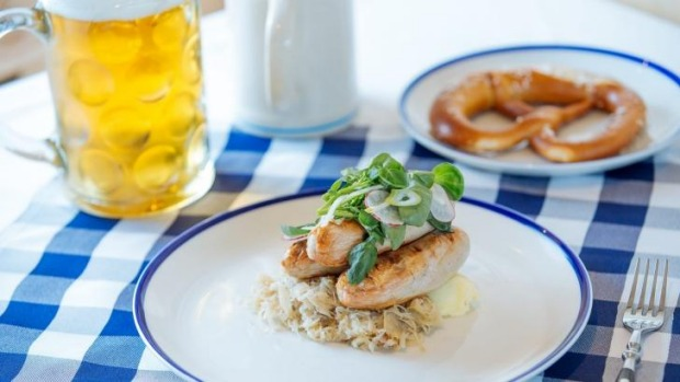 Oktoberfest time again how to eat a german sausage forumfinder Choice Image