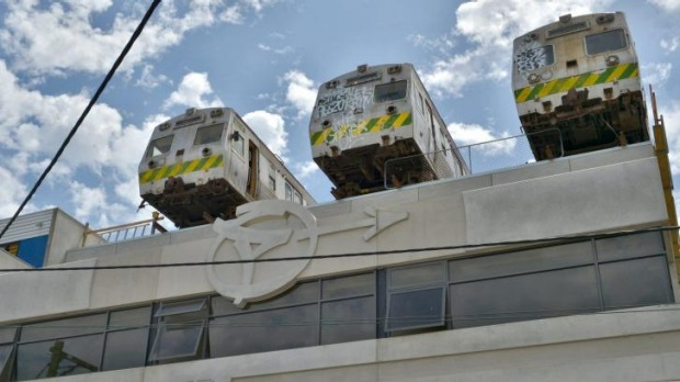 High-calorie buns, high-altitude fun: You'll be able to dine inside one of the rooftop carriages.