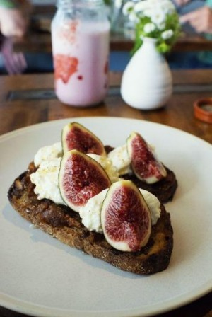 The ricotta, fig and honey sippet.