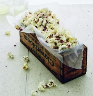 Popcorn with bacon and parmesan.
