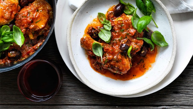 Step into the Provencal bistro, at home:Chicken with tomato and olive sauce