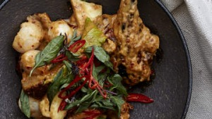 Red curry paste combines beautifully with Chinese roast duck.