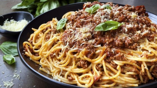Will the red wine cook out of a spaghetti bolognese?