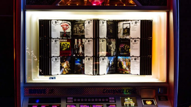 Heartbreaker's jukebox is loaded with classic rock hits from 1968-1980.