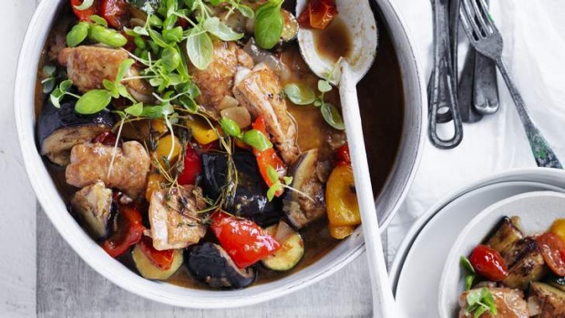 All-in-one: Chicken in ratatouille.