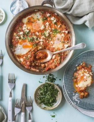 Recipes from nadia lims fresh start cookbook one pan turkish eggs and chickpeas in smoky tomato sauce forumfinder Image collections