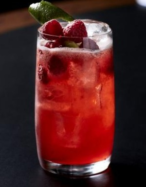 The flavours of raspberry and juniper give the Courtside Cooler its unique flavour.