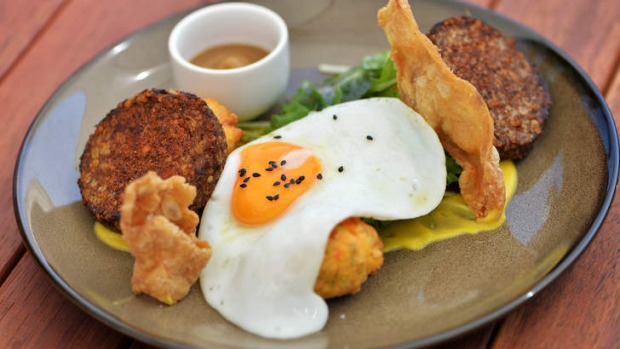 Crusted white pudding with sweet corn fritters.