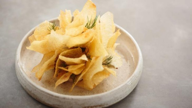 Potato crisps with creamy smoked mullet dip.