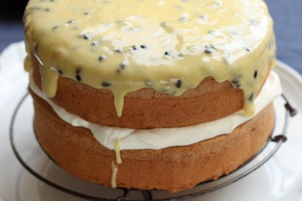 Old-school sponge cake with passionfruit icing <a ...