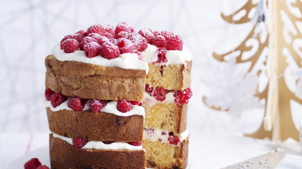 Panettone with mascarpone and raspberries.