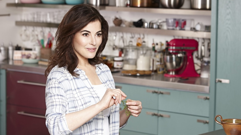nigella lawson reveals the key to becoming a domestic goddess. Black Bedroom Furniture Sets. Home Design Ideas