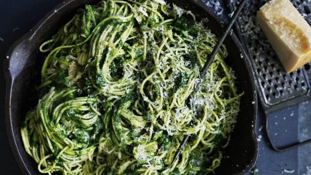 Photograph by William Meppem / Adam Liaw recipe : Spaghetti with zucchini and spinach (SL, food, april 24)