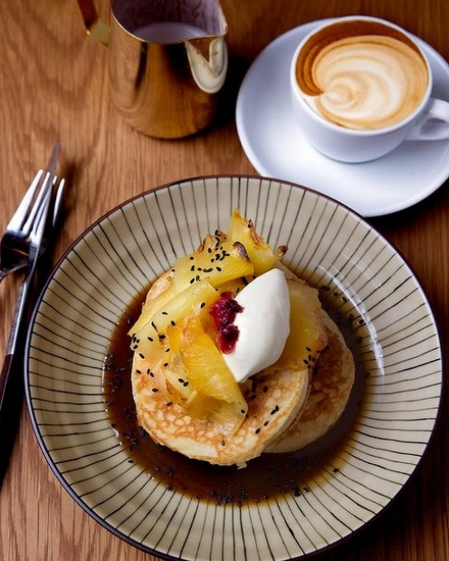Hot cakes with miso butterscotch and fresh pineapple from Edition Coffee Roasters.