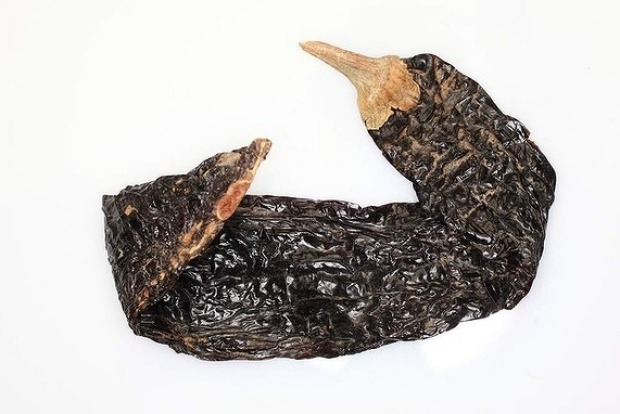 Pasilla chillies are not wildly hot but add colour and richness. The name means 'little raisin', for its dark brown and ...