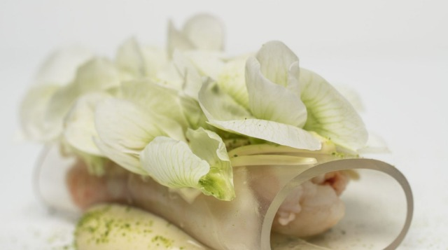 Spanner crab, sake vinegar jelly, brown butter emulsion, pea flower and horseradish, which is served at Sepia.