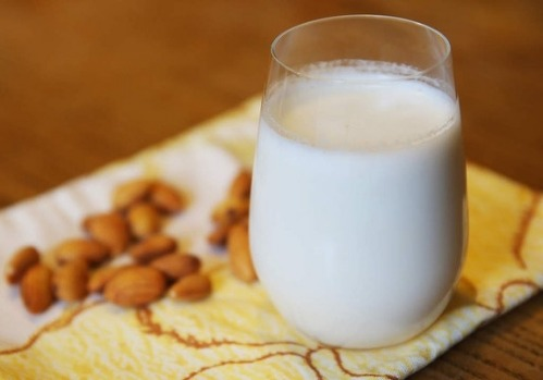 Making almond milk at home is easy. Just follow this simple guide.